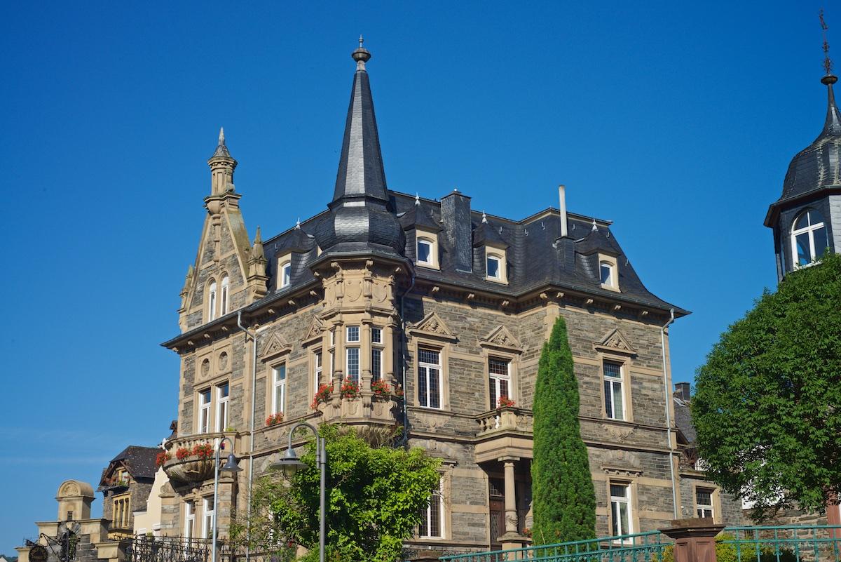 historische-villa-bernkastel-dachdeckung-schiefer-4