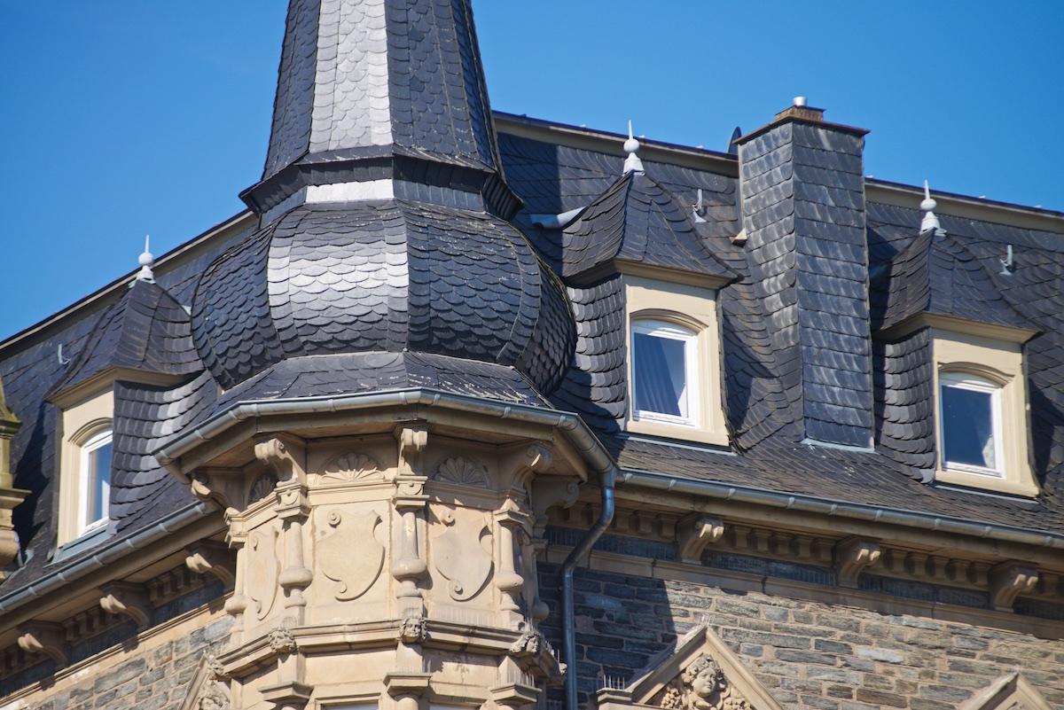 historische-villa-bernkastel-dachdeckung-turm